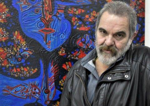 Peyi Rodriguez Cabrera  Artista plástico, diseñador, dibujante, y fotógrafo.   Nació en Taco-Taco, Cuba, y actualmente reside en México. Espontáneo y vital, desde muy temprano comenzó a pintar y a trasladar sensiblemente a una nueva dimensión los aspectos que se apoderaban de su interés, apoyándose en el dibujo y la línea bien definidos.