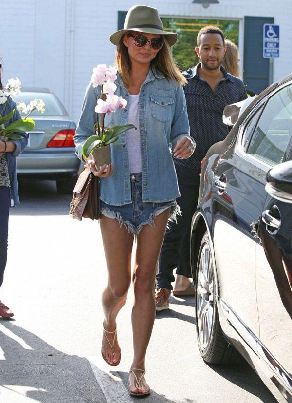 | Combo Jeans: Camisa + Shorts - Ótima opção pro Verão! |