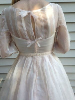 white vintage 1950s dress | what a little confection of a dress