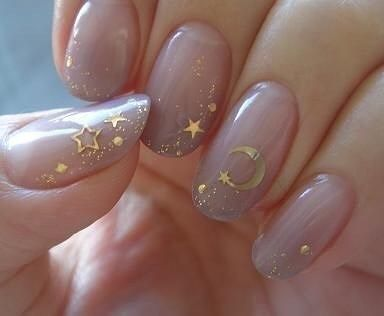 Nude and gold nail art design moon and stars #nail