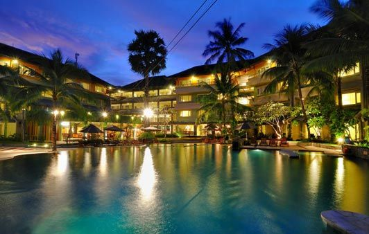 HARRIS Resort Kuta Beach is perfectly located for both business and leisure guests in Bali. Featuring a complete list of amenities, guests will find their stay at the property a comfortable one. To be found at the hotel are laundry service/dry cleaning, bicycle rental, Wi-Fi in public areas, babysitting, restaurant.