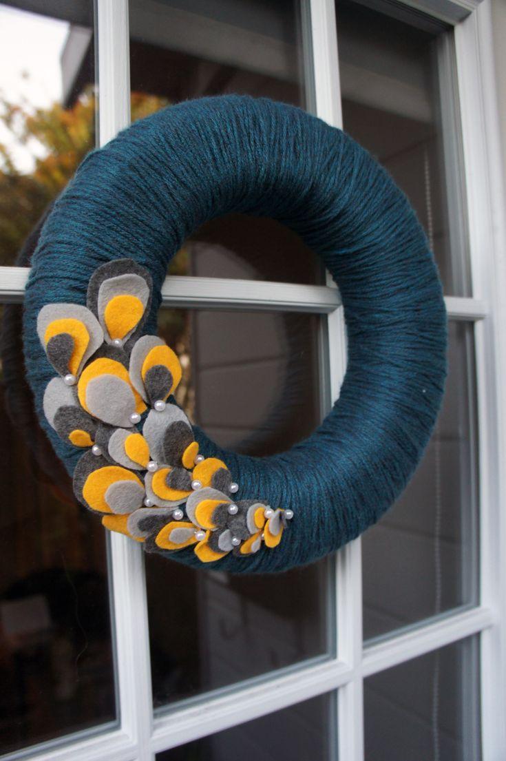 yarn wreaths | For every season: Yarn Wreath for Fall | oneyearincali