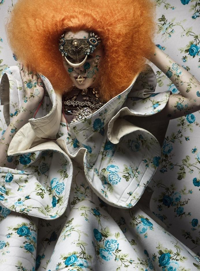 great fabric - NUPTIALIS / MASTORI MOTWARY STUDIO COUTURE / FALL WINTER 2010 /2011