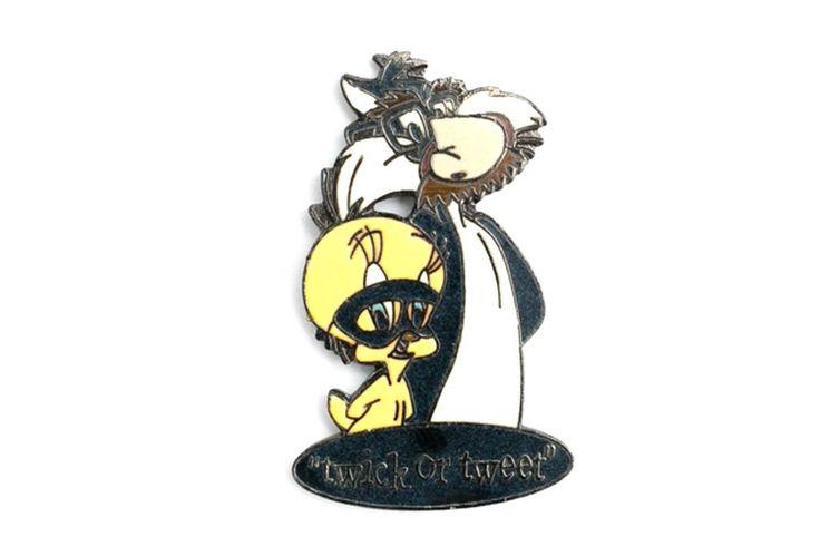 Vintage Sylvester & Tweety Pin