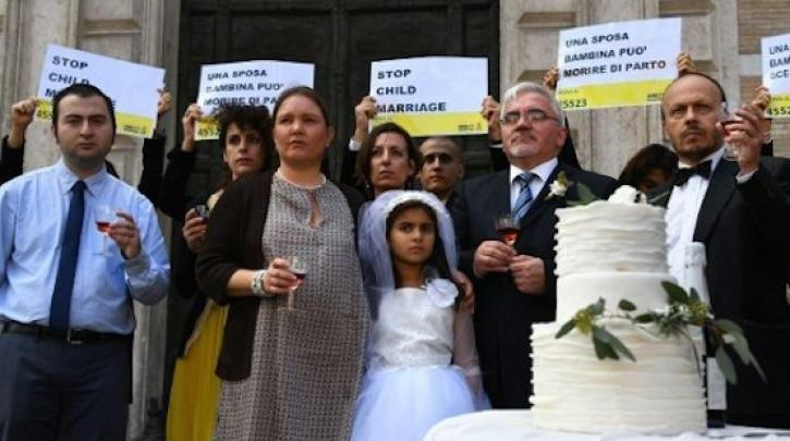 Γυναίκες – κληρικοί στην Ινδονησία εκδίδουν φετβά κατά του παιδικού γάμου :: left.gr