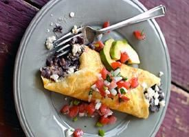 Cook This, Not That:  Black Bean and Cheese Omelet.  Spinach omelet = 1000 calories.  This black bean and cheese omelet = 330 calories!!!  And ready in 10 minutes!!!