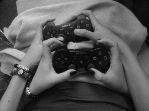 I just wanna cuddle and play video games :3