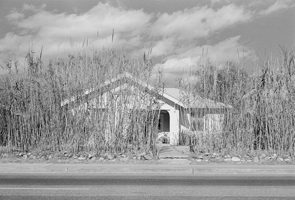 Tucson, Arizona (1974) Photograph: Henry Wessel/George Eastman House collections