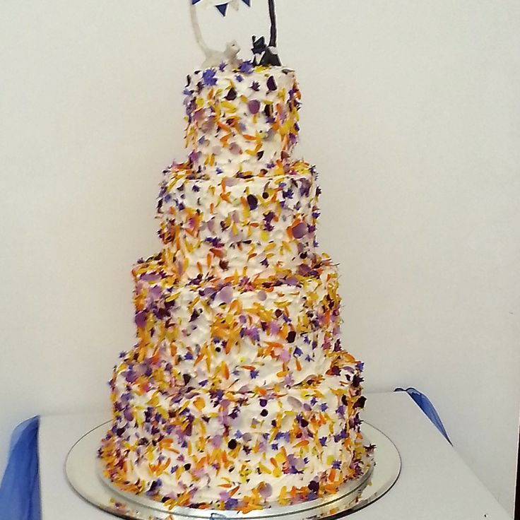 Wedding Cake Flowers Edible: 88 Best Edible Flowers For Wedding Cakes Images On