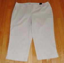 NWT Women's Plus Size 24 Lane Bryant Totally Cropped Khaki Pants