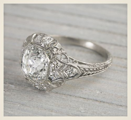 Relativ Les 25 meilleures idées de la catégorie Bague solitaire diamant  FL44