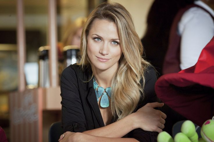 Shantel VanSanten, Actress: The Final Destination. Shantel Yvonne VanSanten is an American model and actress, born July 25, 1985. As a model, she has been featured in the magazines Teen Vogue and Seventeen. VanSanten was born in Luverne, Minnesota. She is of Dutch and one quarter Norwegian descent. VanSanten was raised in Spring, Texas where she attended Incarnate Word Academy (an all-girls college prep school) in Houston and Texas Christian ...