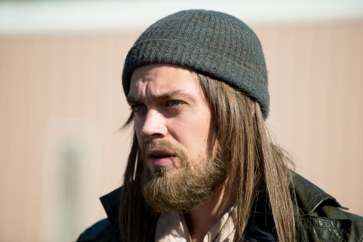 Tom Payne, Actor: The Walking Dead. Tom Payne was born on December 21, 1982 in Chelmsford, Essex, England. He is an actor, known for The Walking Dead (2010), The Physician (2013) and Miss Pettigrew Lives for a Day (2008).