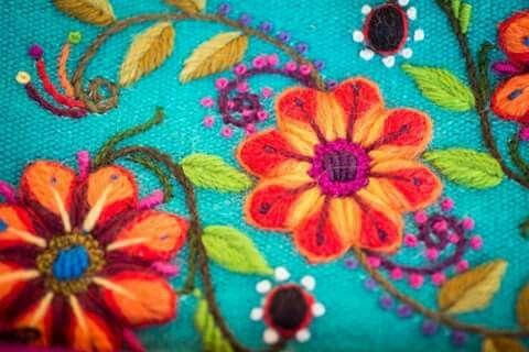 Bordado peruano! Textilería andina... www.puchkaperu.com