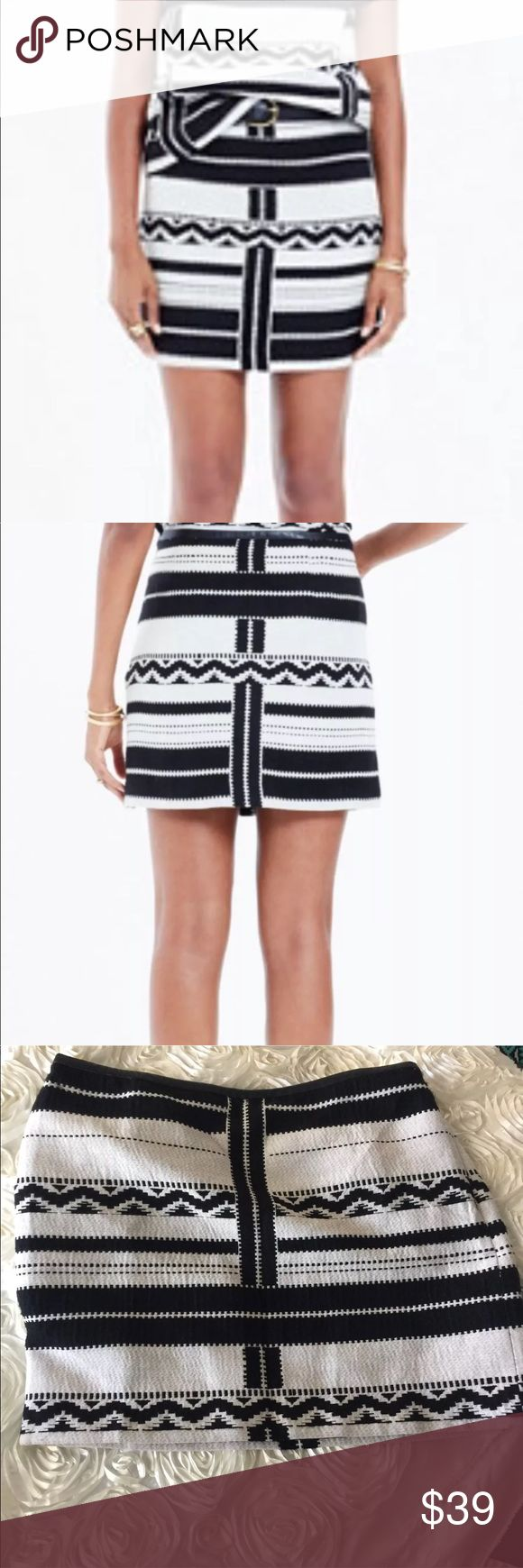 "NWT Madewell Gamine Jacquard Aztec Print  skirt 12 Madewell Skirt 12 Black Gamine Mini In Geo Jacquard Aztec Print. M48 A bit if pulling. NWT flat lay measurements waist--17"" hips--20 1/4"" length--16.5"" Madewell Skirts Mini"