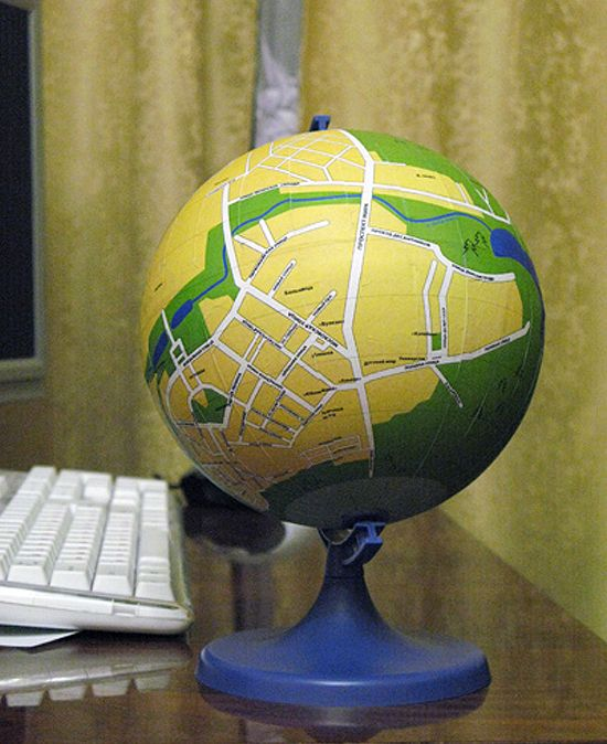 DIY local globe: Globes Maps, World Globes Diy'S, Local Globes, Maps Crafts, Diy'S Crafts, Crafty Things, Diy'S Globes, Cool Idea, Geography Geek