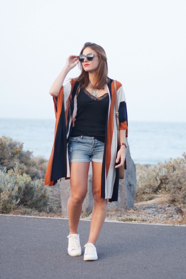 rayas, verano, summer, sneakers, zapatillas, stripes, capa, poncho, sport, sporty chic,