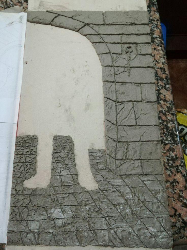 Inicio proyectó sobre relieve  Pasta especial creada por mi. A base de papel cemento pegamento y otros varios