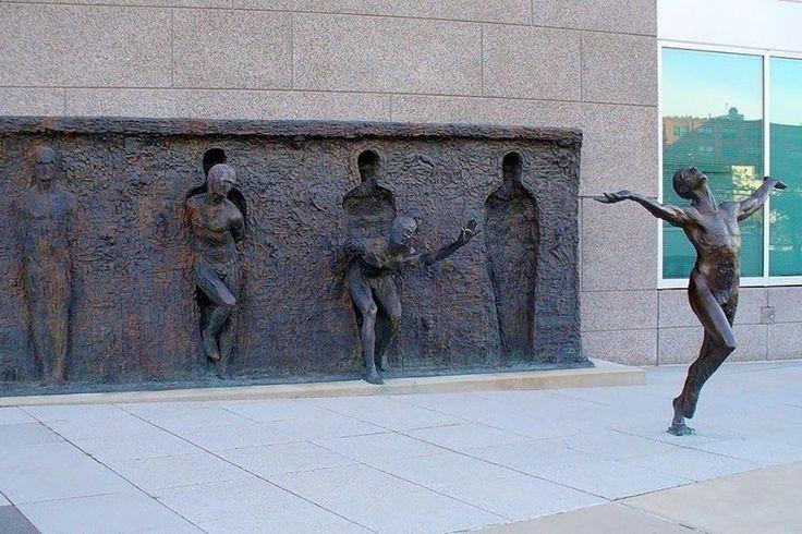 """Скульптурная композиция """"Свобода"""". Филадельфия, США."""