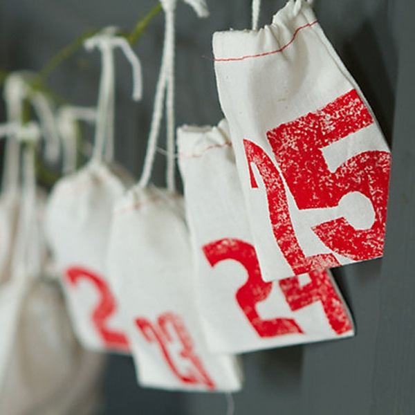 advent bag calender: Christmas Advent Calendar, Clothing Bags, Calendari Dadvent, Advent Calender, Happy Holidays, Prints Pouch, Christmas Calendar, Christmas Ideas, Advent Ideas