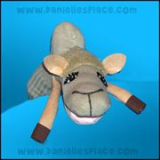 Camel Puppet Craft from www.daniellesplace.com