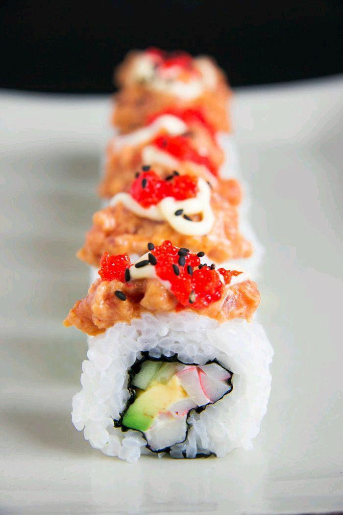 Uramaki tonno piccante e granchio