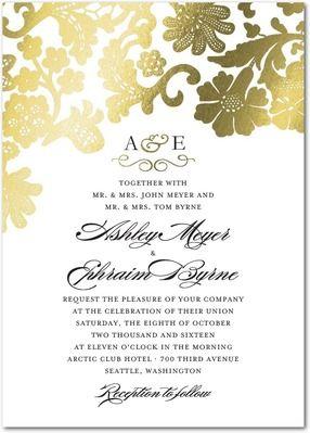 白にゴールドでゴージャスかつ落ち着いた雰囲気。結婚式のエレガントで高級感ある招待状のまとめ一覧♡