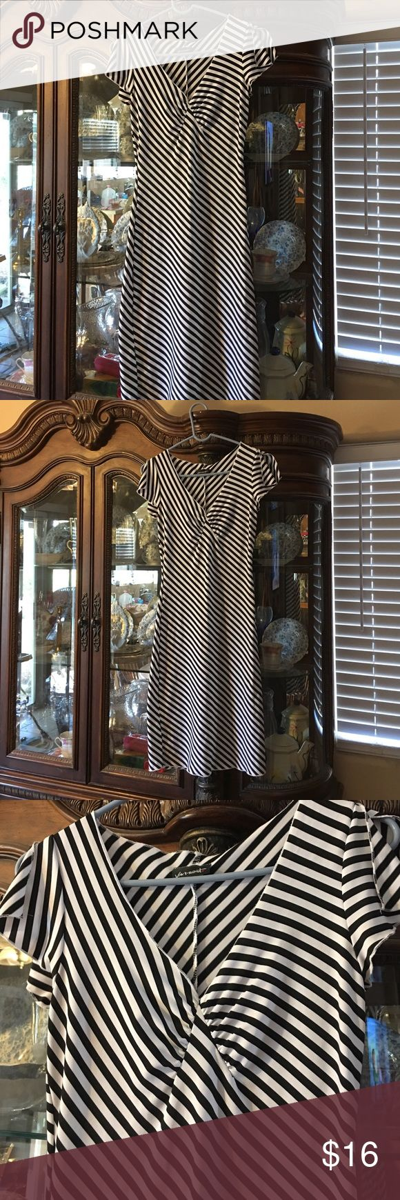 Retro Black & White Striped Dress, Sz Medium Retro Black & White Striped Dress, Size Medium. Like new, never worn. Von Mozart Dresses Midi