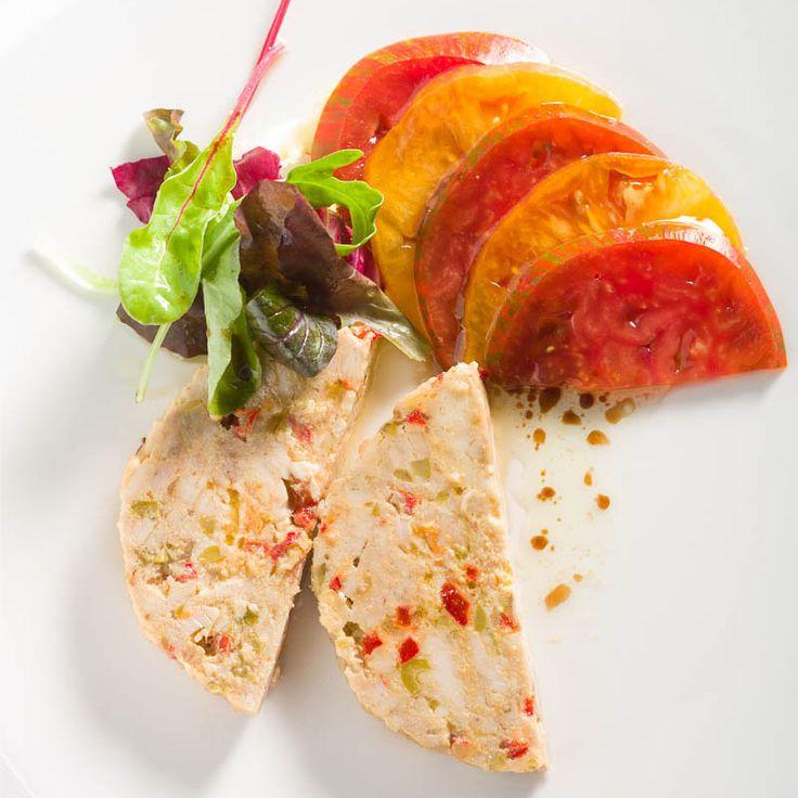 Las mejores recetas de bonito te esperan en nuestro restaurante: rollo de bonito, ventresca de bonito, y bonito al horno.  ¡Prueba un auténtico manjar de temporada! #bonito #lapondala