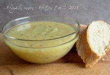 Hagymaleves kakukkfűvel (Francia receptek)