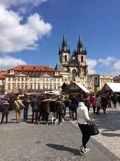 Consigli utili e pratici per il vostro viaggio a Praga! Se state pensando di fare un viaggio a Praga, in questo articolo potrete trovare sicuramente dei consigli utili. E' un articolo tratto dalla mia esperienza personale, quindi saranno consigli pratici! #praga #consigli