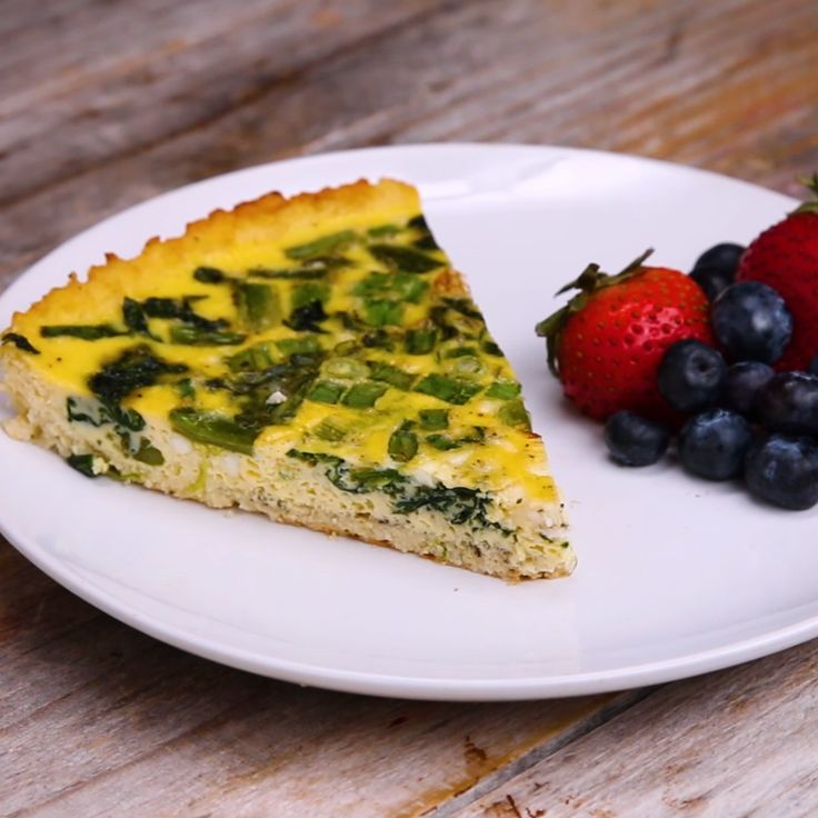 Cauliflower-Crusted Quiche #eggs #breakfast #califlower