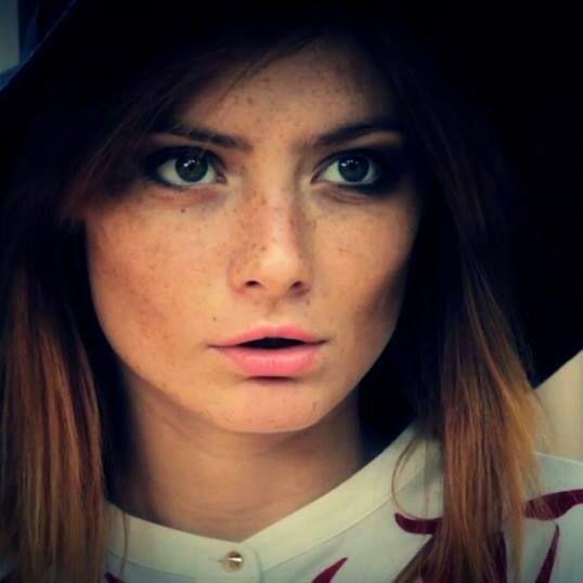 Para One book. Foto Gabriel  Model: Ana Paula Rondan freckles ginger redhead