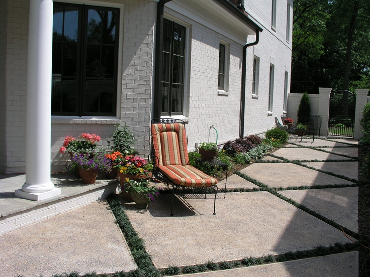 13 best paved courtyard ideas images on pinterest for Paved courtyard garden ideas