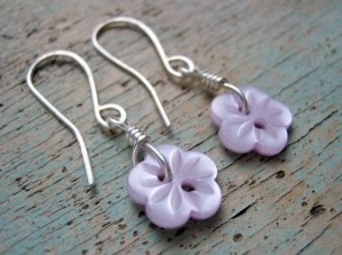 Vintage Button Earrings @Milomade: Mostly made with buttons in the shape of flowers, theses button earrings are made with sterling silver wire and hand crafted ear wires. Lots of colours and style to choose from: Priced at £14. From the Pittenweem Arts Festival on August 6th, 2010.