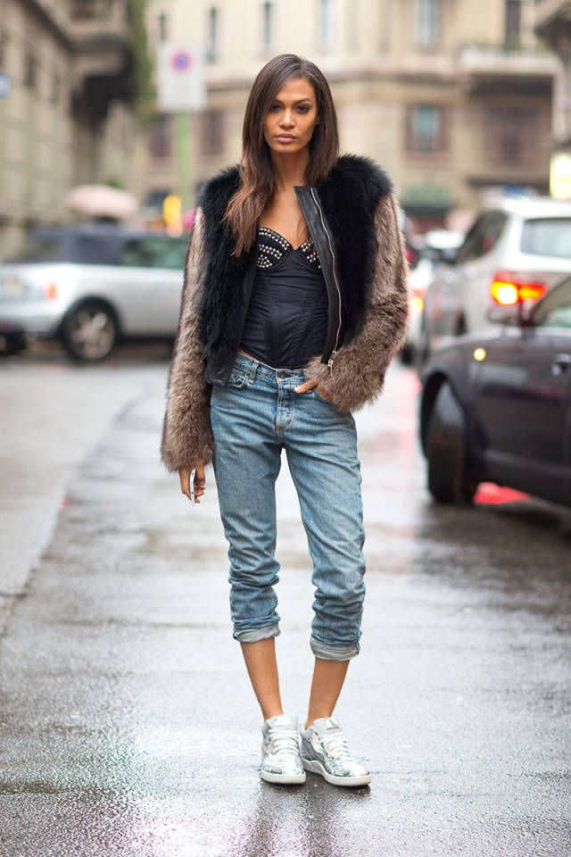 We breakdown all of the biggest street style trends outside of this season's shows.