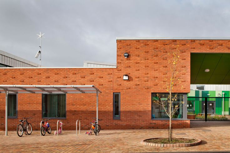 Sarah-Wigglesworth-Architects Takeley-Primary-School Entrance-Crop 3600