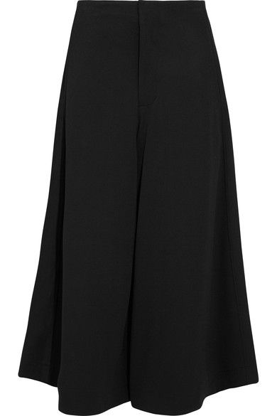 Bassike's black culottes are cut from Italian stretch-twill in a cropped, exaggerated wide-leg shape that sways as you walk. We immediately noticed how well finished they are on the inside - the internal waistband is made from crisp white cotton-toile so that they sit comfortably in place. This pair is meant to feel relaxed and breezy, so wear them with slides or slippers.