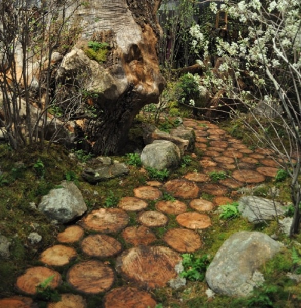 Cabin path - this would be wonderful to make with cedar, it just doesn't rot...