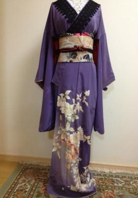This is so 洋風. Almost corseted looking. And lace, and all that.Purple, Kimonos Japan, Kimonos Beautiful, Kimonos Fashion, 2Dayslook, Asian Kimonos, Japanese Elegant, Fashion Nice, Asian Fabrics Kimonos