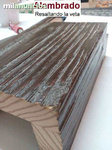 . Estanteria Puente en madera maciza, acabado rustico, somos fabricantes. Los acabados disponibles son:cepillado efecto azuela, alambrado ( resaltado de la veta) y efecto carcoma ( ver fotos) medidas del anuncio: 2columnas laterales seccion 25x10, largo 245