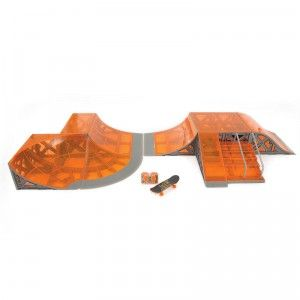 Kids can build their ultimate skatepark with the Tony Hawk Circuit Boards Skatepark playset.