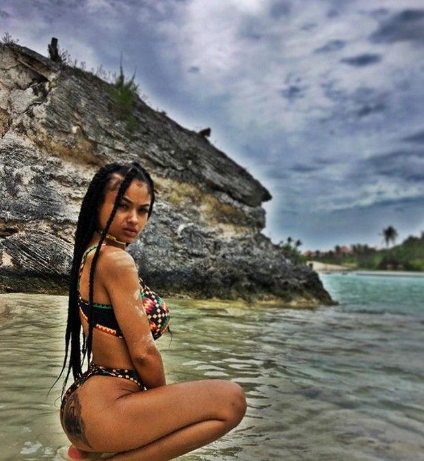 """Drake trai Rihanna, mas ainda estão juntos: """"relacionamento é aberto"""", diz fonte https://angorussia.com/entretenimento/famosos-celebridades/drake-trai-rihanna-ainda-estao-juntos-relacionamento-aberto-diz-fonte/"""