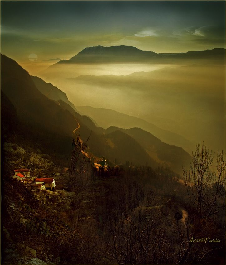 Дорога в туманы. Черногория. Вид с Монастыря-Острога. #дорога туманы черногория горы Автор: Виктор Перякин