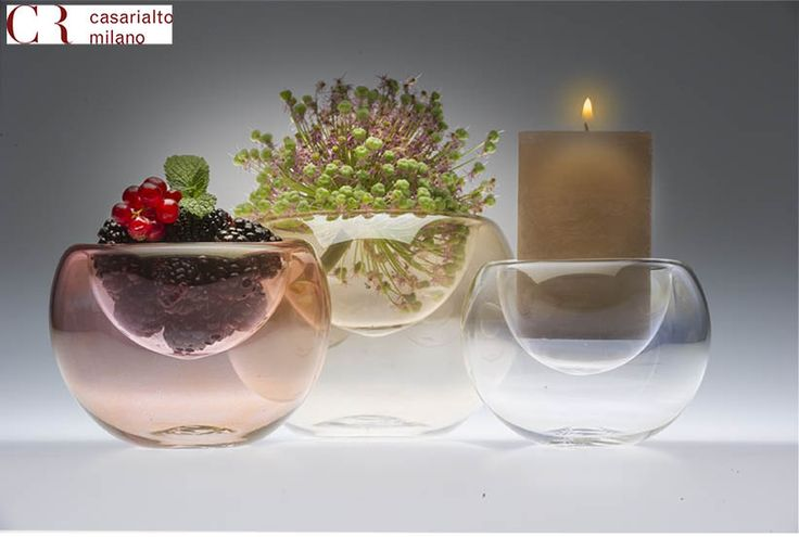 Three bowl blown glass and hand painted according to the Venetian tradition which fit together one over another. 3 in 1 is multipurpose:  for flowers, candles or as bowl for fruits, dessert …