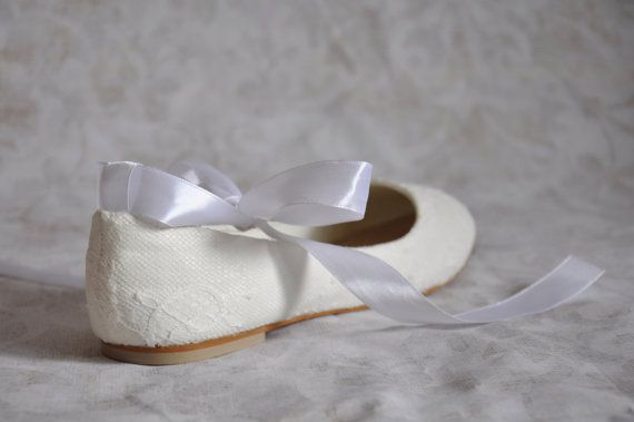 Hoi! Ik heb een geweldige listing op Etsy gevonden: https://www.etsy.com/nl/listing/276920718/bruiloft-schoenen-flats-lace-bruiloft