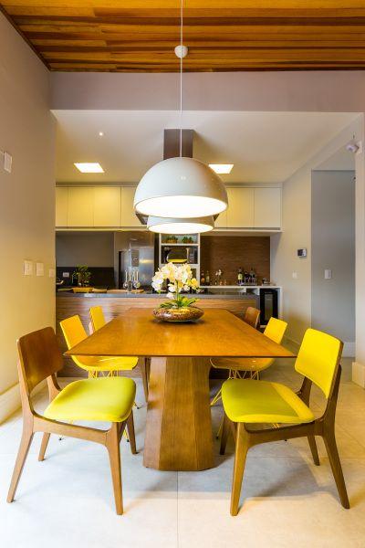 Casa colorida e integrada para receber a primeira filha - Casa