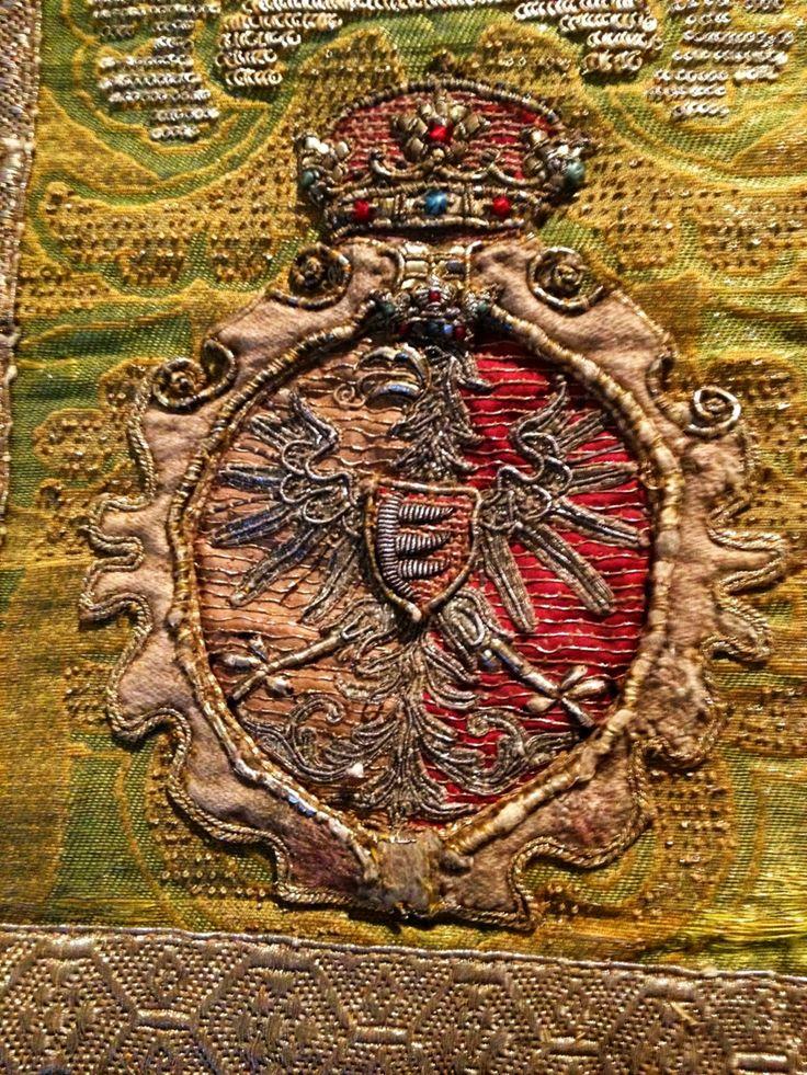 Detail of a chasuble established by Stephen Báthory by Anonymous from Kraków (fabric from Florence), 1570s, Muzeum Skarbca Katedralnego im. Jana Pawła II w Krakowie