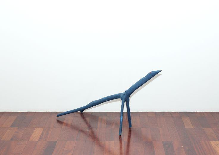 Cícero Alves dos Santos - Véio Sem título , 2013 Tinta acrílica e madeira 50 x 30 x 108 cm