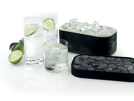 This silicone ice tray and container promise to eliminate the limitations and inconvenience of old plastic ice trays.